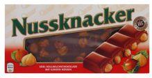 Nussknacker: mléčná čokoláda s celými lískovými oříšky [Choceur, 100g]